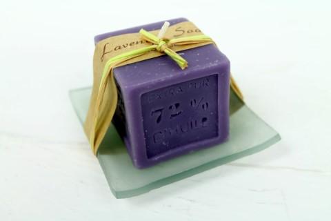 Kerze aus Seife auf Glasschale - Lavendel - angenehmer Duft - Schöne Deko und Ge