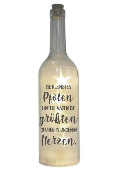 LED-Flasche mit Motiv, Die kleinsten Pfoten hinterlassen die größten Spuren, grau, 29cm, Flaschen-Licht Lampe mit Text Spruch