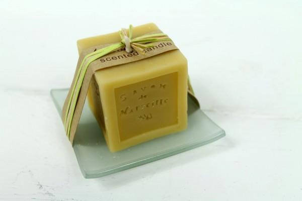 Kerze aus Seife auf Glasschale - Mandel - angenehmer Duft - Schöne Deko und Geschenkidee