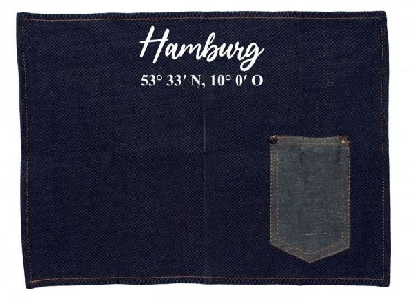 Platzset Jeans-Stoff, Hamburg mit Koordinaten, mit Tasche für Messer und Gabel 40x30cm blau weiß Textil-Untersetzer Tisch-Set