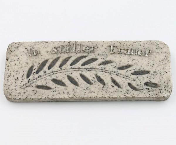 Platte zum Legen oder Hängen, In stiller Trauer, grau Marmor Optik, groß 15 x 6 x 1cm