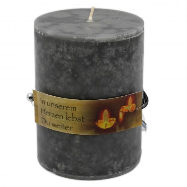 Rustik Trauer-Kerze mit Duft, In unserem Herzen lebst Du weiter, Trauer-Spruch 12x8,7cm 630g