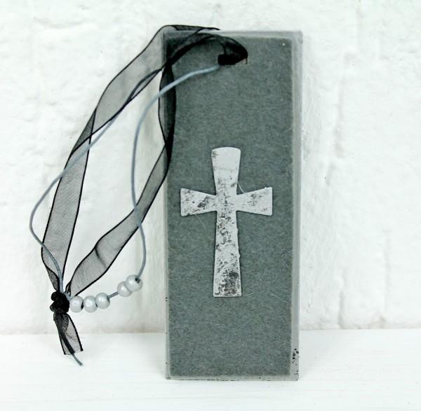 Hänger für Grabschmuck Kranz Blumen - Metall mit Filz und Kreuz - Grabschmuck Grab Trauer