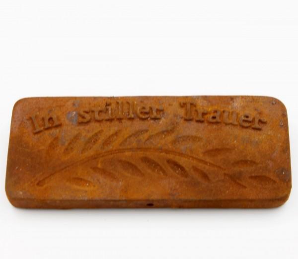 Platte zum Legen, Hängen und Blumenstecker, In stiller Trauer, Rost Optik, 9,5 x 4 x 1cm