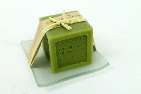 Kerze aus Seife auf Glasschale - Olive - angenehmer Duft - Schöne Deko und Geschenkidee